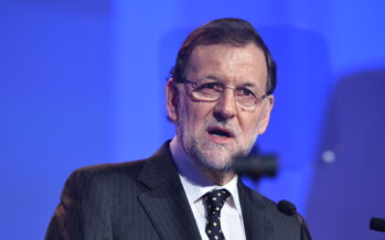 PSOE votes to support Rajoy