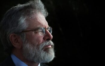 Gerry Adams urged government to recognize Palestine