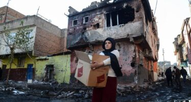 """""""Displaced and Dispossessed"""". Turkey Condemned for Forced Exodus of Kurds from Diyarbakir"""